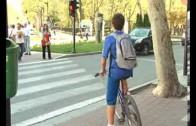 Ciclistas con casco y a 130 en autovías