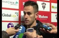 Sampedro y jugadores del Alba contentos tras vencer al Arroyo