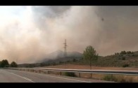 Más de un centenar de efectivos trabajan en el incendio forestal de Liétor