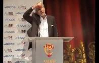 José Sacristán, emocionado en la entrega de premios de AMITHE