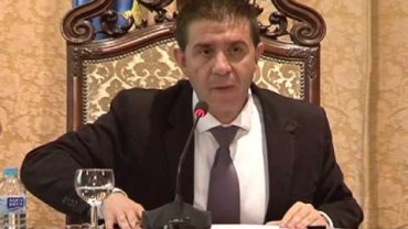 Rifirrafe político en el Pleno sobre los 'enchufes'