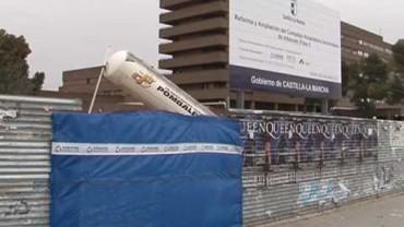 Las grúas por fin llegan al hospital de Albacete
