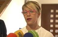 Joyería Mompó dona 851 euros a ACEPAIN por la venta de sus pulseras
