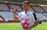 El Albacete Balompié ha presentado al delantero Rei Manaj