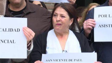 Concentración ante la residencia San Vicente de Paul