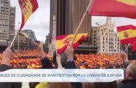 Miles de ciudadanos se manifiestan por la unidad de España