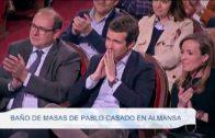 Baño de masas de Pablo Casado en Almansa