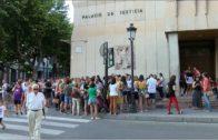 Concentración contra la «manada» de Manresa en Albacete