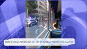 Espectacular salida de vía de un autobús en Albacete