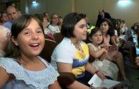 Fin de curso de la radio de los niños..ellos preguntan