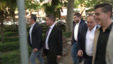 García Page brinda otros cuatro años de coche oficial a Ruíz Santos