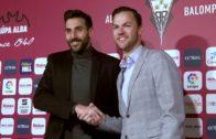 Tomeu y el Alba sellan su compromiso hasta 2022