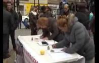 La mesa del agua recoge firmas en los invasores
