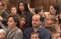 Los niños vistan por primera vez el Camarín de la Virgen