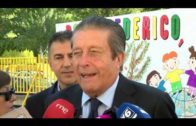 Mayor Zaragoza visita el colegio que lleva su nombre