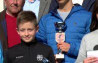 García López entrega los premios del trofeo a beneficio de Afanion