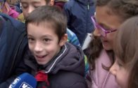 Los Reyes Magos han hecho su primera parada en el Colegio Pedro Simón Abril