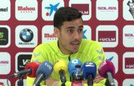 Relajada y alegre sesión de Futbol-Tenis antes de recibir al Oviedo