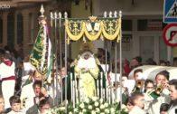Multitudinaria procesión `Dejad que los niños se acerquen a mí´