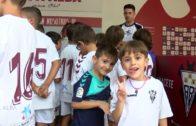 Las categorias inferiores disfrutan el stand del Alba 110919