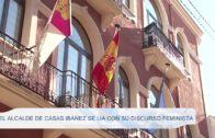 El alcalde de Casas Ibañez se lia con su discurso feminista
