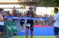 Fernando Alarza conquista el triatlón de Alcalá del Júcar